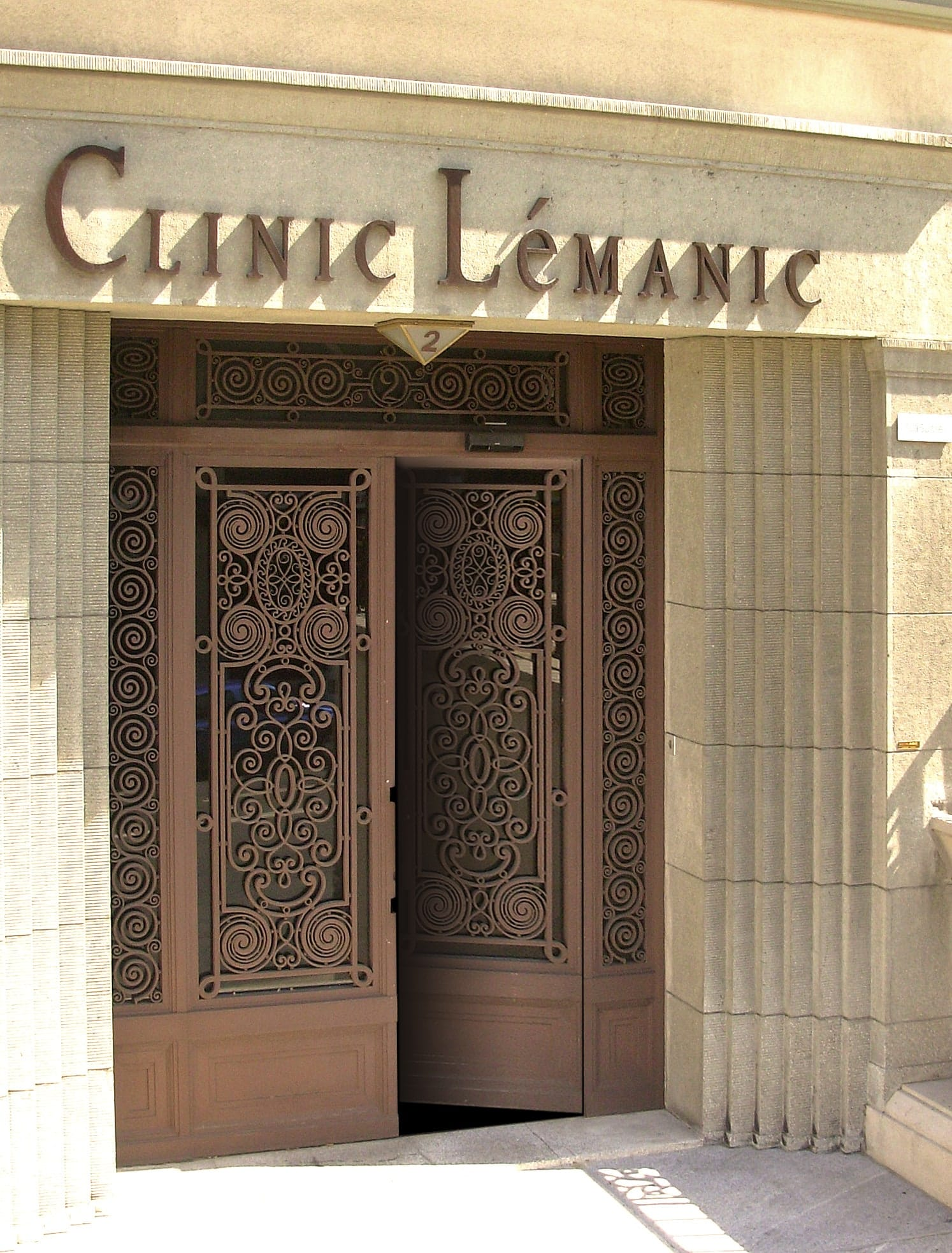 Clinic Lemanic entrance